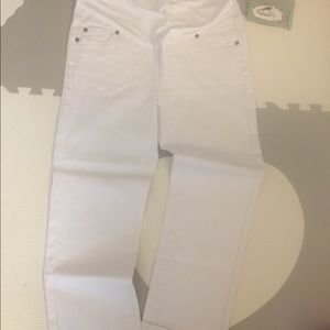 Denim - White Capri maternity jeans